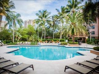 **Fall Promo** Upscale Condo in Aventura - Minutes from Beach & Shopping! - Sunny Isles Beach vacation rentals