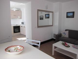Romantic 1 bedroom Apartment in Ovaro with Satellite Or Cable TV - Ovaro vacation rentals