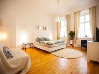 1A+++ Location in HEART OF BERLIN - Berlin vacation rentals