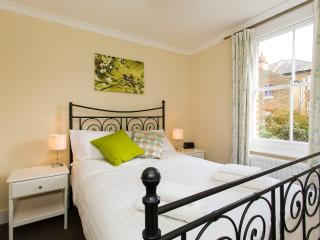 Charming 4 BR Victorian Home in Sydenham - London vacation rentals