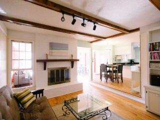 GRACIOUS 4BD/2BA Mt Pleasant Hm-Dog Friendly-Bright & Convenient! - Mount Pleasant vacation rentals