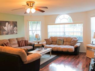 Affordable Luxury! Free WiFi, Pool, Long Distance! - Kissimmee vacation rentals