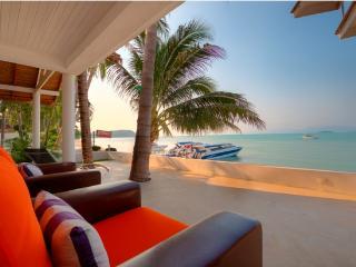 3 Bedroom Beach Front Villa Bangrak - Bophut vacation rentals