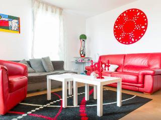 15mn Nantes centre, 5 min ATLANTIS & ZENITH - Saint Herblain vacation rentals