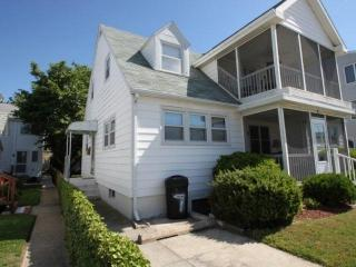 Ocean Block, Ocean View Second Floor Home with Screened in Porch Sleeping 8 in 3 Bedrooms - Rehoboth Beach vacation rentals