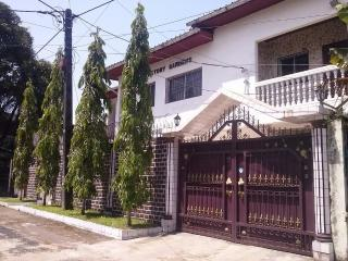Nice Studio with Internet Access and A/C - Douala vacation rentals
