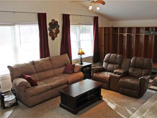 Located at Base of Powderhorn Mtn in the Western Upper Peninsula, A Modern Trailside Home with Outdoor Hot Tub & Allows Dogs - Bessemer vacation rentals
