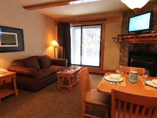 Banff Hidden Ridge Resort Lovely 1 Bedroom Condo (2 Queens) - Banff vacation rentals
