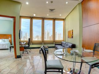 Resort like living, full service (El Cangrejo) - Panama City vacation rentals