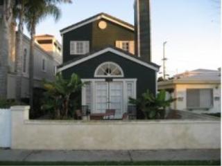 Geneva Street Retreat with Jacuzzi - Huntington Beach vacation rentals