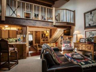 Warm Cozy Mountain Townhome, Steps to Bus Stop, Steps to Gore Creek~ Book a Family Mountain Retreat! - Vail vacation rentals