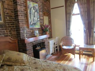 Bright 5 bedroom Bed and Breakfast in Quebec City - Quebec City vacation rentals