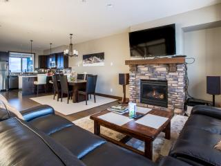 Big White Luxury Ski Townhome, Grizzly Ridge #7 - Big White vacation rentals