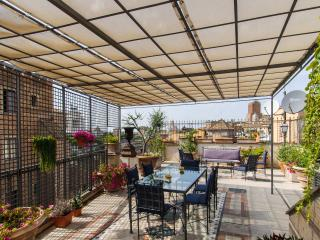 Made in Rome Bed&Breakfast - Room COLOSSEO - Rome vacation rentals