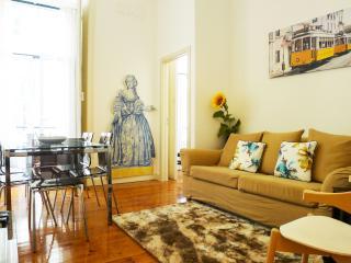 CR3- Charm & comfort- AC, lift, Balcony, Elevator, City center - Lisbon vacation rentals