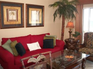 Deluxe Gulf and Beach front 1 bdrm, 1 bath condo. - Orange Beach vacation rentals