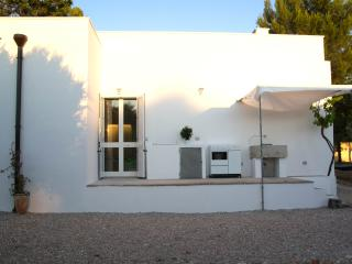 Nice Studio with Housekeeping Included and Television - Santa Maria al Bagno vacation rentals