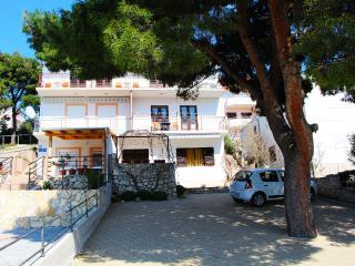 Apartmani Perkov App 3 studio - Primosten vacation rentals