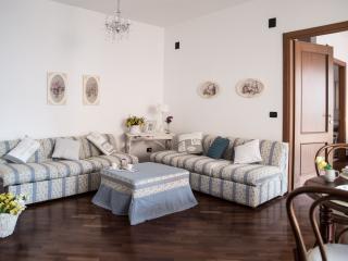 Casa vacanza Beti' House Airport - Fiumicino vacation rentals