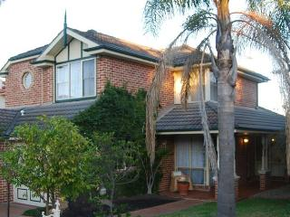 Highclaire House Bed & Breakfast - The Rose Valley - Sydney vacation rentals