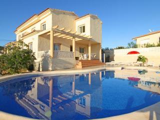 Bright 4 bedroom La Llobella Villa with Internet Access - La Llobella vacation rentals