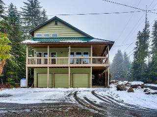 Spacious and bright Mt. Hood lodge among the trees near Skibowl - Government Camp vacation rentals