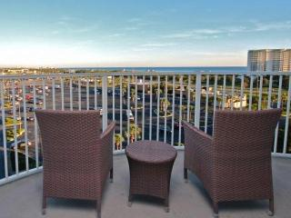 SPRING BREAK SPECIAL RATES! GORGEOUS views of Henderson Beach from this 7th - Destin vacation rentals