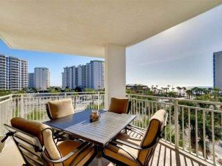 BEAUTIFUL GULF VIEWS FROM THIS LUXURY 3 BEDROOM THAT SLEEPS 11! SPECIAL FALL DISCOUNT 15% OFF!!! - Destin vacation rentals
