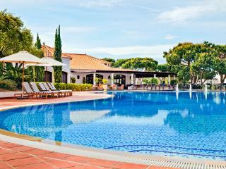 Pine Cliffs Garden Residence III - Albufeira vacation rentals