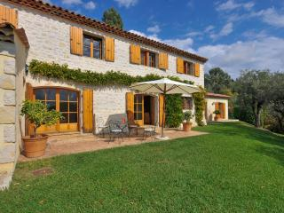 Nice Villa with Internet Access and Satellite Or Cable TV - Chateauneuf de Grasse vacation rentals
