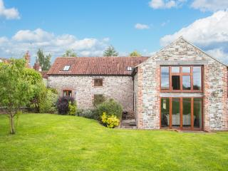 Comfortable 5 bedroom Oldbury-on-Severn House with DVD Player - Oldbury-on-Severn vacation rentals