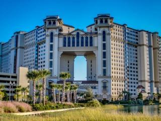 Oceanfront North Beach Plantation Luxury 1 BR 1 BA Condo. 2.5 Acres of Pools. Sleeps 4. Unit 1011 - North Myrtle Beach vacation rentals