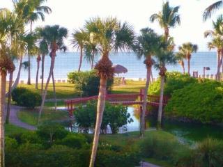 Fabulous!! Gulf Front Complex - Pointe Santo de Sanibel - Ideal Location!! - Sanibel Island vacation rentals