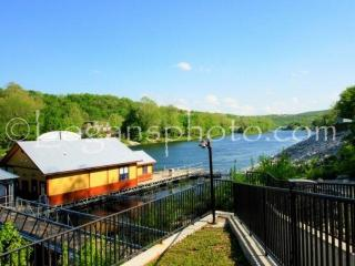 Lake Taneycomo 2BDR Condo in Fall Creek Resort (Two) (42-10) - Branson vacation rentals