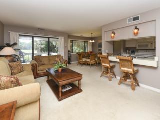 Comfortable Pet Friendly 2BR Turnberry Villa with Golf Views, Community Pool - No Hurricane Damage - Hilton Head vacation rentals