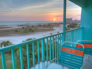 Beautiful Condo with Internet Access and A/C - Treasure Island vacation rentals
