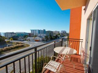 Comfortable 2 bedroom Condo in Madeira Beach - Madeira Beach vacation rentals