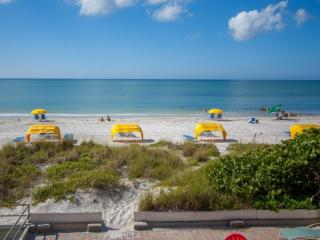 Lovely 5 bedroom Madeira Beach House with Internet Access - Madeira Beach vacation rentals