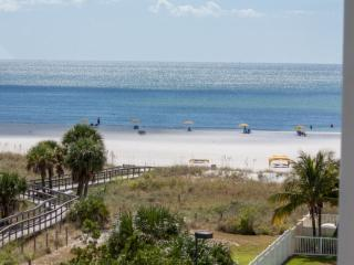 Comfortable Condo with Internet Access and Dishwasher - Treasure Island vacation rentals