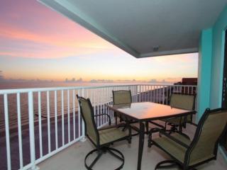 Beautiful 3 bedroom Madeira Beach Apartment with Internet Access - Madeira Beach vacation rentals