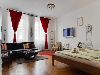 Old town square apartment - Prague vacation rentals