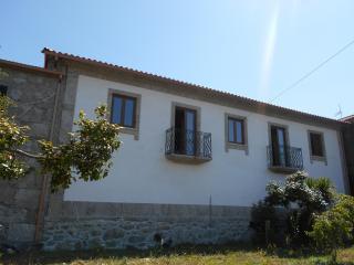 Alojamento Local Turismo Rural. Campos VRM. - Braga vacation rentals
