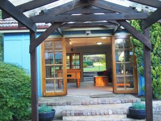 Warrigan. A mountain bungalow. - Katoomba vacation rentals