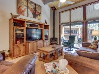 High-end condo with access to a shared pool, hot tub, sauna, and golf! - Durango Mountain vacation rentals