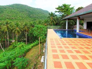 Villa G Luxury villa with swimming pool 5 bedroom - Taling Ngam vacation rentals