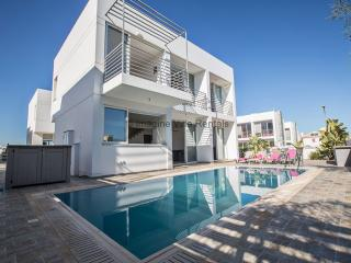 Pearl Villa 15, 3 bed with pool and Free WiFi - Protaras vacation rentals