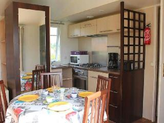 Cozy 2 bedroom Bungalow in Aizenay with Internet Access - Aizenay vacation rentals