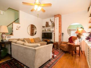 Historic DC: MONROE HOUSE in Arts District - Washington DC vacation rentals