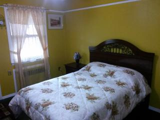 Beautiful House with Internet Access and A/C - Brooklyn vacation rentals