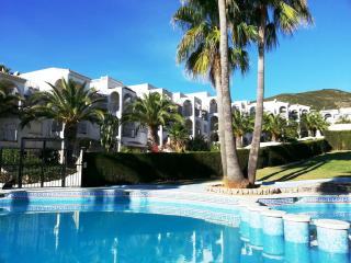 Bright 2 bedroom Apartment in Peniscola with Shared Outdoor Pool - Peniscola vacation rentals